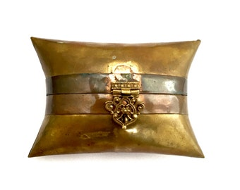 Vintage Pillow Style Minaudière Brass Metal Purse India