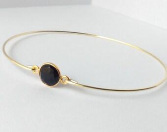 Black onyx bracelet - Black onyx bangle - Gold black bracelet - Gemstone bracelet - Minimalist jewelry - Everyday jewelry - Gold Bangle