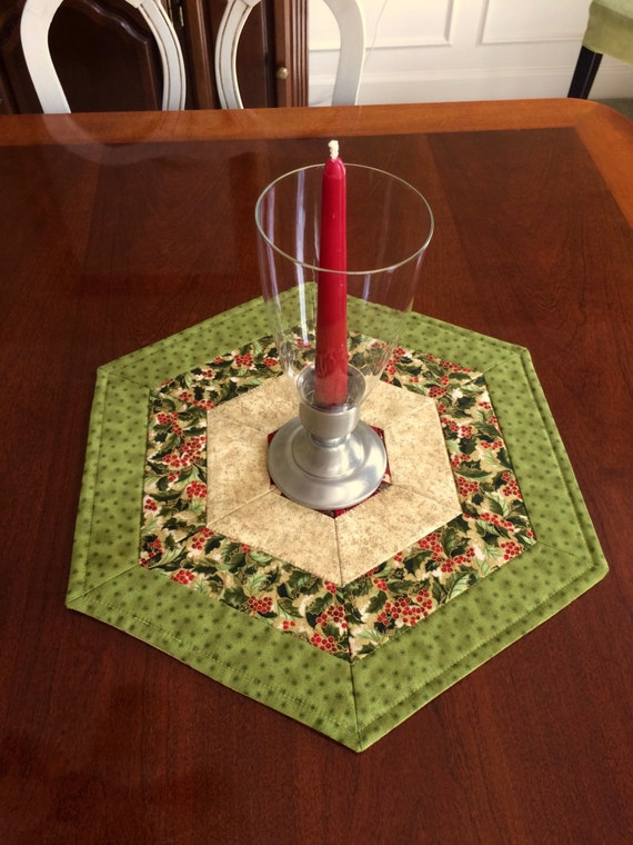 Items similar to christmas green red quilted hexagon for Round table runner quilt pattern
