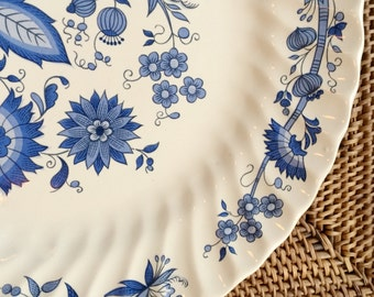 Dinner Plate(s), Blue Onion in Ironstone, Meadow-Blue by Royal China Sebring