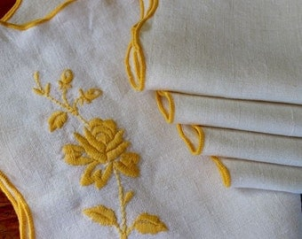 Vintage Linen Four Placemats Napkins Hand Embroidered Yellow Roses Set Place Mats