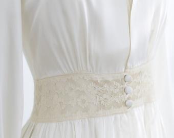 1940 Vintage Peignoir. Nightgown Robe Set.// Liquid Slipper Satin. Bridal Lingerie. TEMPLE PLACE BOSTON - wedding trousseau lingerie