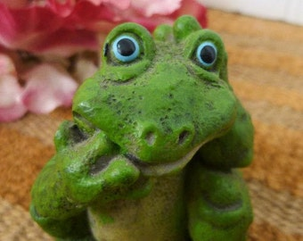 Green Frog Figurine,  Thinking Frog