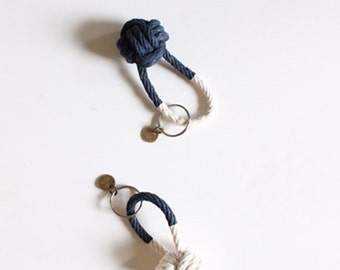 Navy blue keychain / rope knot