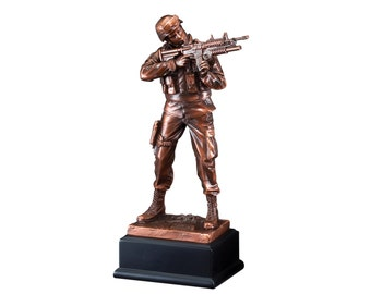 Army Resin Sculpture (BLRFB134)