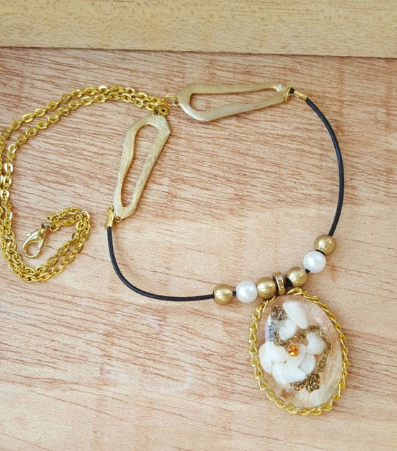 Shell Necklace, Gold and White Necklace, Victorian Inspired Pendant, Shell Jewelry, Summer Necklace