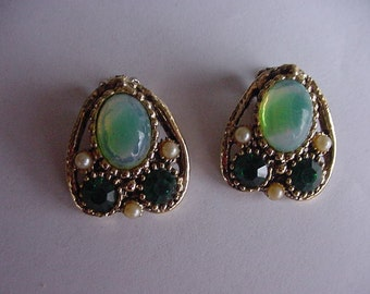 Pretty Shades of Green Clipon Earrings, Goldtone, Collectible, Costume Jewelry