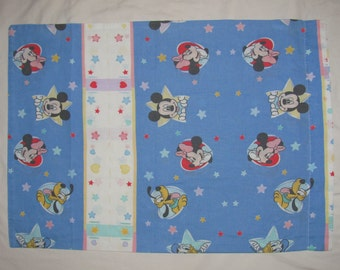 Vintage Disney Mickey & Minnie Mouse Twin/Standard Pillow Case - Mickey and Minnie Faces in Stars, Hearts - Blue Background