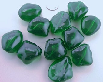 Vintage large faux emerald green nugget bead plastic bead - 11 pcs. about 15 x 29 x 34mm