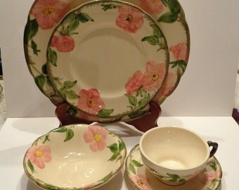 Vintage  Franciscan Ware Desert Rose 4 Piece Place Setting (No Saucer)