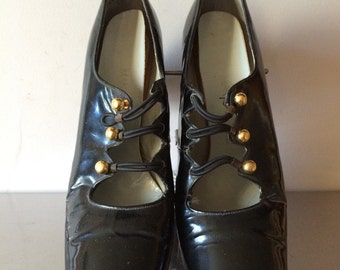 Late 60s Early 70s Patent Leather Mod Shoes / Vintage Mod Accessory /