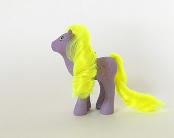 Vintage My Little Pony Yum Yum, Flutter Pony 'Party Gift Pack' Pony by Hasbro Toys, Purple Pony with Neon Yellow Hair