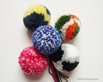 Pom poms for chunky hats - Hanging ornaments - Set of 5 large pom poms - Handmade poms
