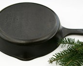 "Vintage WAGNER 9"" Width Top Fine Skillet Broiler Cast Iron Culinary Chef Grill Pan Professionally Cleaned & Organically Seasoned"