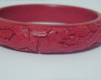 Cinnabar Red Bracelet  c1900  China/Dragons