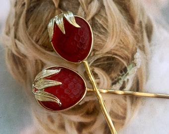 Sarah Coventry Red Strawberry Decorative Hair Pins Molded Glass Hairpins Bobby Pin