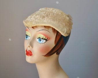 Ivory Hat body / Vtg / Velvet cap decorated with straw squiggles