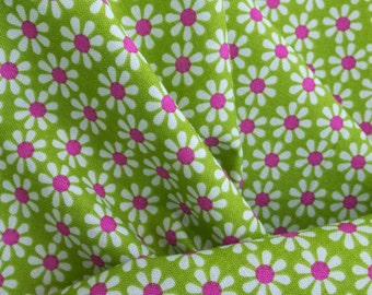 ℳ Daisy Flowers 100% Cotton 45 Inches Wide FC12445
