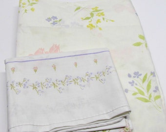 Vintage Twin Flat Sheet & 1 Pillowcase, ReMix Lilac Yellow Pink Green Flower Motif, Shabby Cottage Chic Bedding, Crafting Quilting Fabric