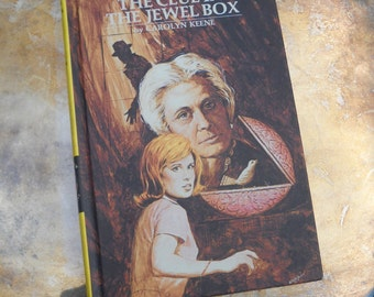 Vintage Nancy Drew Book, The Clue in the Jewel Box, 1943, 1985 Printing