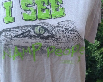 "Vintage hipster gator shirt ""I see swamp people "" Florida tourist tshirt size large free domestic shipping"