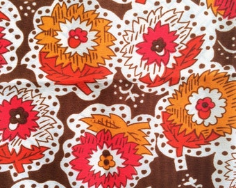 3 Yards Vintage 60s Flower Fabric Brown Red Orange and White Flowers Mid Century Floral Print Dress Maker Yardage Cute Bright Fun!