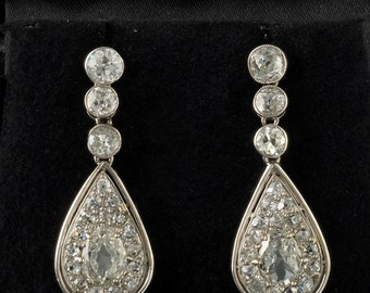 Spectacular 4.60 Ct old mine diamond 1900 rare platinum drop earrings