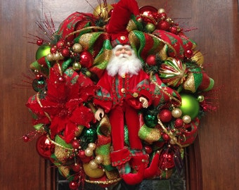 Santa Dressed in Velvet Wreath