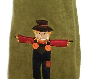 Scarecrow - Harvest - Fall - Halloween - Hanging kitchen towel - Crocheted top - Button top
