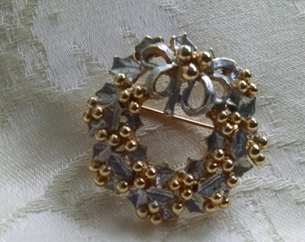Wreath Pin