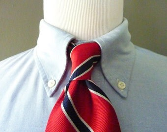 CLASSIC Vintage Brooks Brothers MAKERS All Silk Red, White, & Blue Repp Striped Trad / Ivy League Neck Tie.  Made in USA.