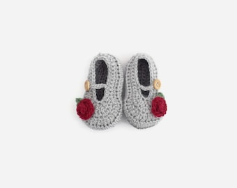 crochet baby shoes   baby girl shoes   baby mary jane shoes   baby girl gift   red rose shoes