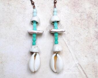 Sea Shell earrings, cowrie shell jewelry, Beach earrings, Ocean jewelry, Summer trend, Primitive, Tribes fashion, Tribal dangle, trendy
