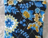 quilted zippered pouch / small change purse / quilted bag blue paisley