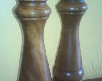 "1960's Wooden 10-1/2"" Salt Shaker and Pepper Grinder in Very Good Condition. In excellent working order"