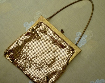 1980s Gold CHAINMAIL EVENING Purse.Wow. Valentines Gift