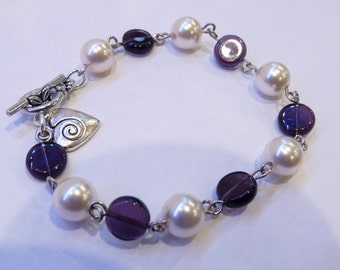 Purple and Pearl Linked Bracelet with Heart