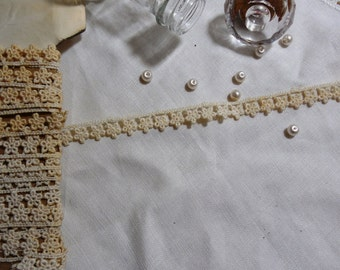 """1 Yard Vintage Off-White Cotton Lace Trim with Teeny Flowers 7/16"""""""