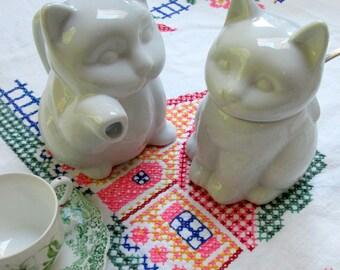 Child's Kitty Teapot and Sugar Set, White