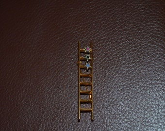ON SALE  Vintage Goldtone Pin that Looks Like a Ladder with 3 Stars on the Rungs