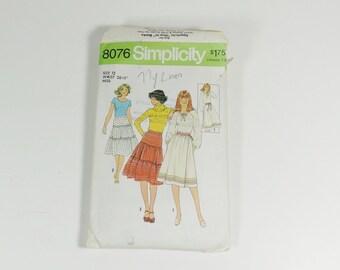 Simplicity 8076 - Size 12 - Misses Skirts - Vintage 1977 Patern
