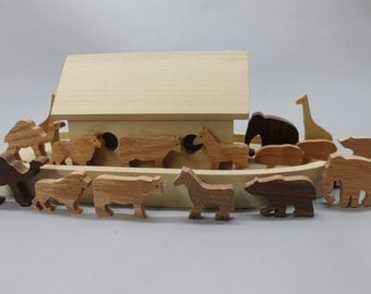 Noah's Ark II with 8 sets of animals, poplar