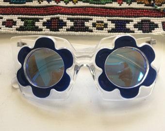 Clear frame black daisy flower sun Glasses