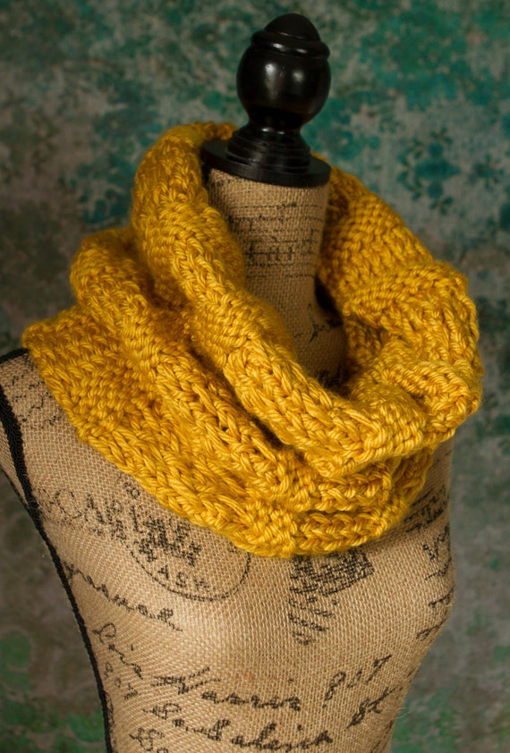 Large Thick Knit Cowl