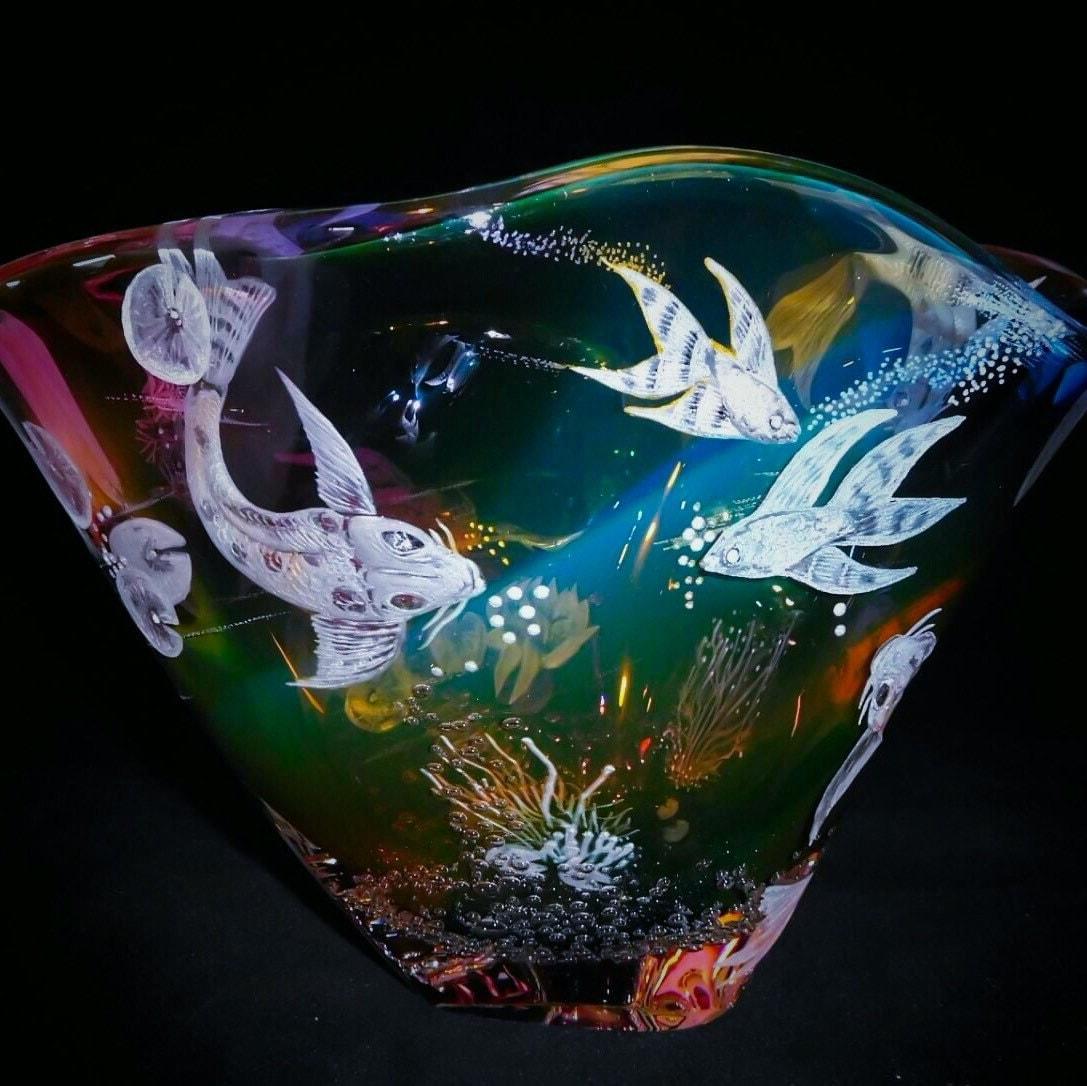 Hand engraved bowl koi fish handblown engraved koi for Koi viewing bowl