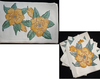 Vintage Table Linens Bark Cloth Floral Placemats and Napkins Table DIning Place Setting For 4 Linens Set of 4 Placemats 4 Napkins