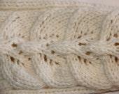 Off-white knee high hand knit socks. Women'size medium, shoe size US 6 1/2-8 EUR 38 - 40. Handmade, hand knit.