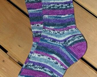 Purple Fair Isle pattern socks, medium (6015)