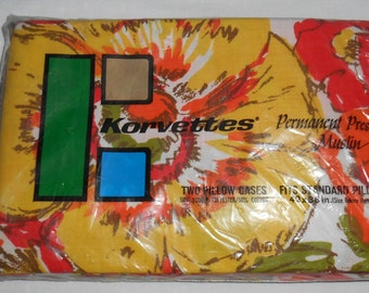 Vintage pair PILLOW CASES new in package Korvettes 1970 colors flowers