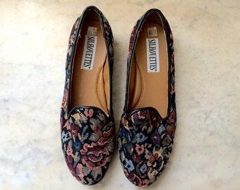 vintage womens NOS floral tapestry loafer flats size 8 1/2 flower shoes